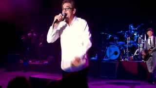 "20141023 - Huey Lewis and the News - ""(She"