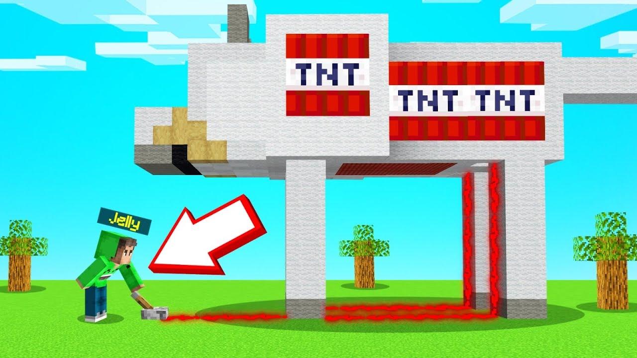TNT TROLL On My Friends PET STATUE! (Minecraft BEE TOWN)