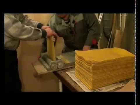 Изготовление вощины на гравировальных вальцах