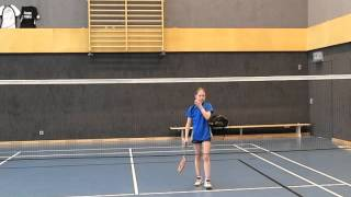 Badminton Übung: Unterhandclear und Clear (Halbfeld) (Badminton Exercise: Clear and Lift Halfcourt)