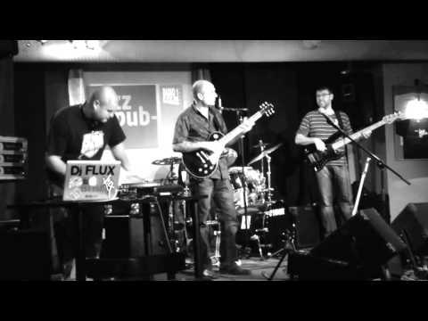 DJ Flux & live jazz band session / Tvrdý, Stivín Jr. & Wimpy