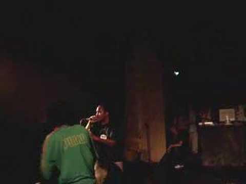 Fat Lip - Runnin (Live In Chile 2006)
