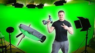 I MADE A GREEN SCREEN!!!! | Bradley Chlopas