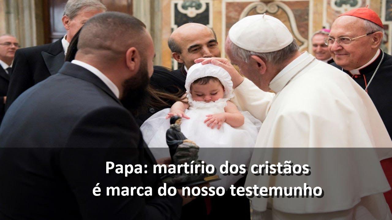 Resultado de imagem para Tweet do Papa: o bem é eficaz se praticado sem recompensa e sem aparecer
