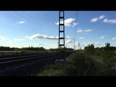 [VR] Finnish Railways Pendolino service S56 from Oulu to Helsinki passing Kytömaa.