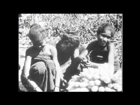 Bali - Floti. Cultureel ethnologische film over de kleine Soenda - eilanden