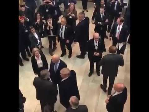 Donald Trump enters the WEF room - like a rockstar...