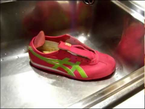 how to wash muddy shoes in the washing machine