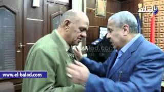 شاهد.. مدير أمن كفر الشيخ يكرم أسر شهداء العريش