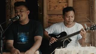 Download Enau - Negara Lucu Cover Tumbuh Berkembang (live record)