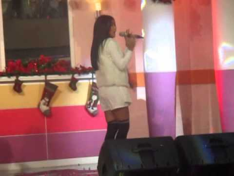 Milova (Anisa Rahma, Adinda Adi, Tissa) perform di mall ciputra 12-12-2014