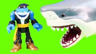 Imaginext Batman Visits Aquaman Playset And Saves Atlantis + Giant Shark