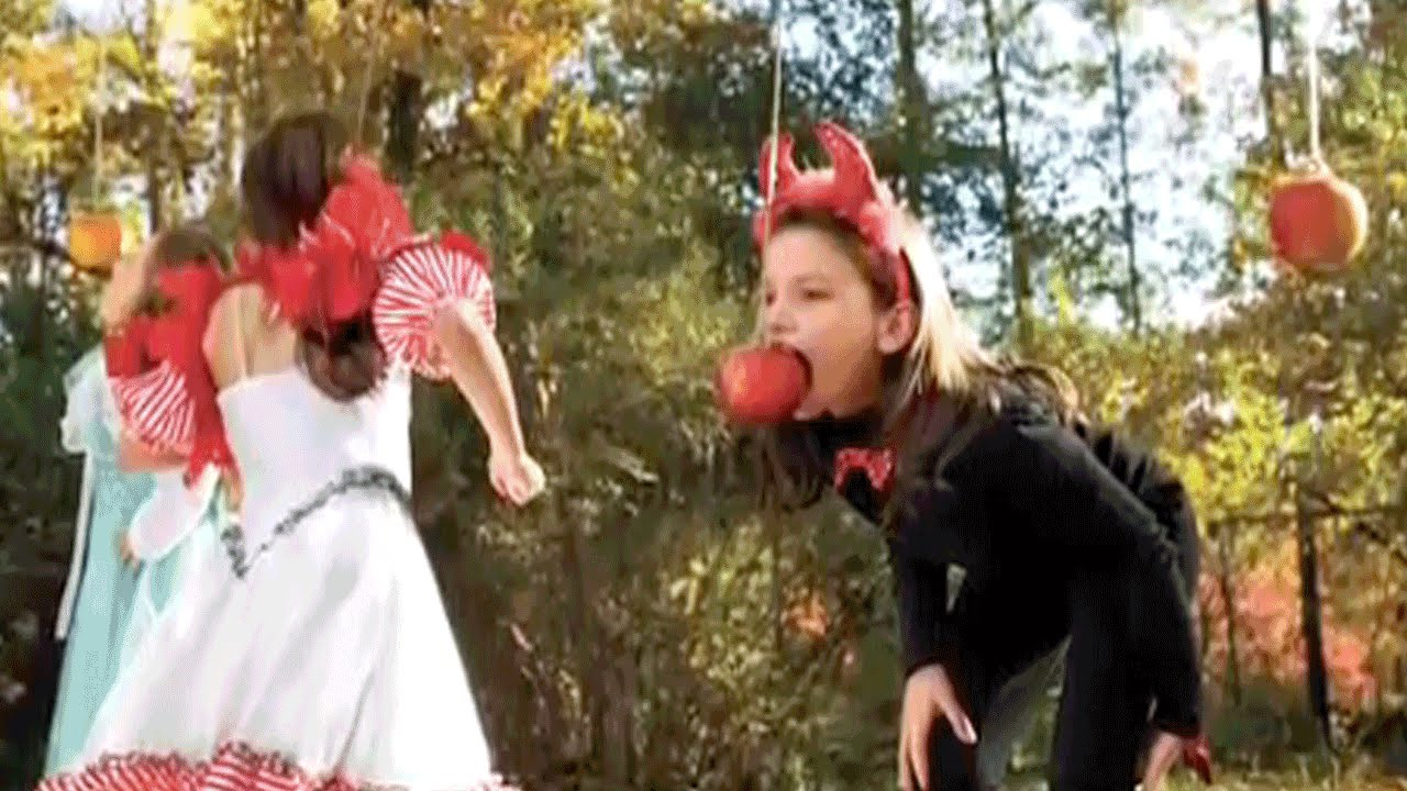 Halloween party games stay dry apple bobbing southern for Southern living login
