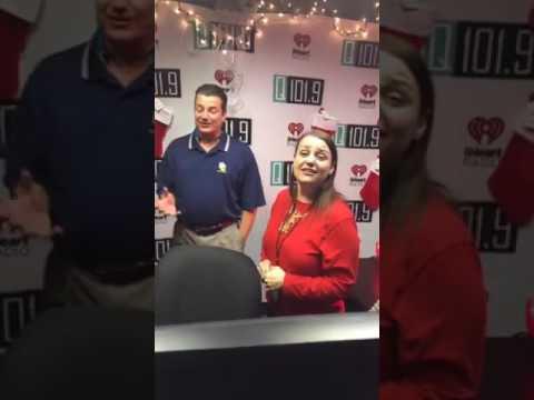 Q1019 ly kicks off Christmas 2016  in San Antonio