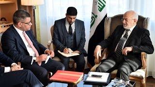 ابراهيم الجعفري وزير الخارجية العراقية والوك شارما وزير شؤون آسيا والباسيفيك والكومنولث البريطاني