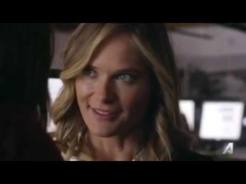 Emma & Izzy   You Me Her 1x02