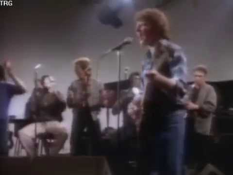 ROCK AND ROLL GIRLS - JOHN FOGERTY (1985)