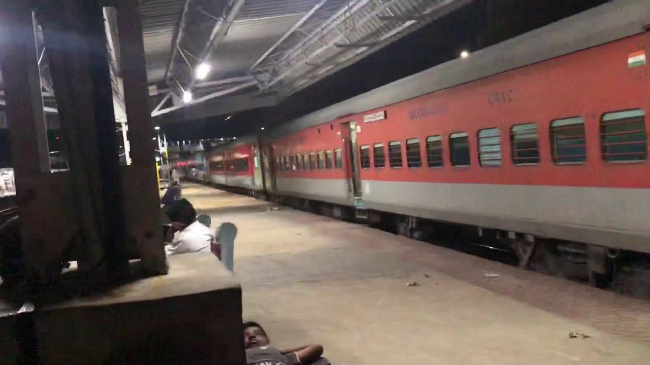 లింగంపల్లి-విజయవాడ సర్వీసు ప్రారంభం-వాణిజ్యం