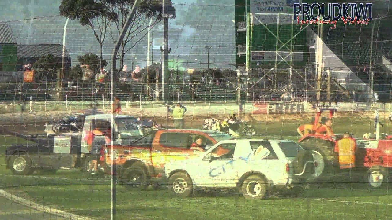Palmy Speedway Nz Sidecar Gp Carnage 16 01 16 Youtube