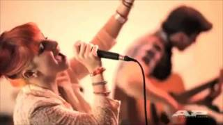 Paramore - Feeling Sorry (Live Acoustic @ AP Sessions HD)