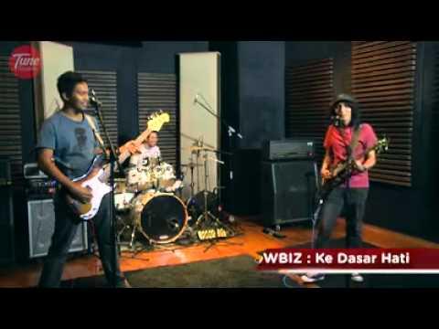 Showbiz - Flatscreen TV & Ke Dasar Hati (live @ Tune Studios Battle & Win) March 2014