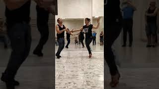Resumen de la clase de bailes latinos en Escuela Melania Fernan