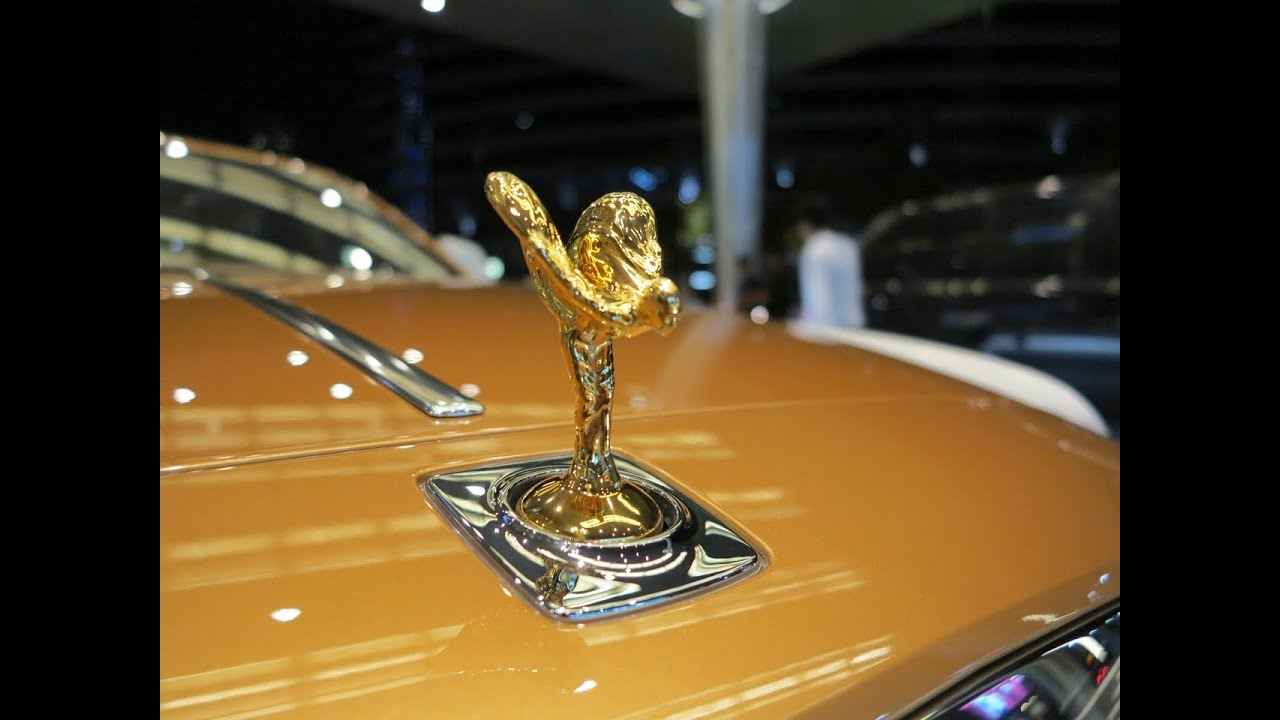 Rolls Royce Ghost with golden Spirit of Ecstasy - YouTube