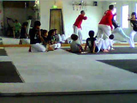 Magnus capoeira training