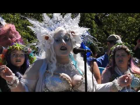 Yl'luria at the 2nd Annual Portlandia Mermaid Parade