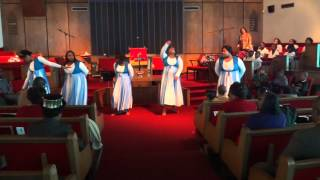 """God Favored Me"" Praise Dance by Hezekiah Walker"