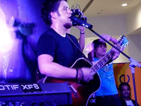 Hallelujah - Lee Dewyze Live In Malaysia 2011