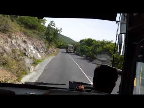 KSRTC AIRAVAT  at Dhimbam Ghat ( 4K VIDEO)