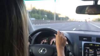 SWD -Девушка поет в машине, просто огонь!!!