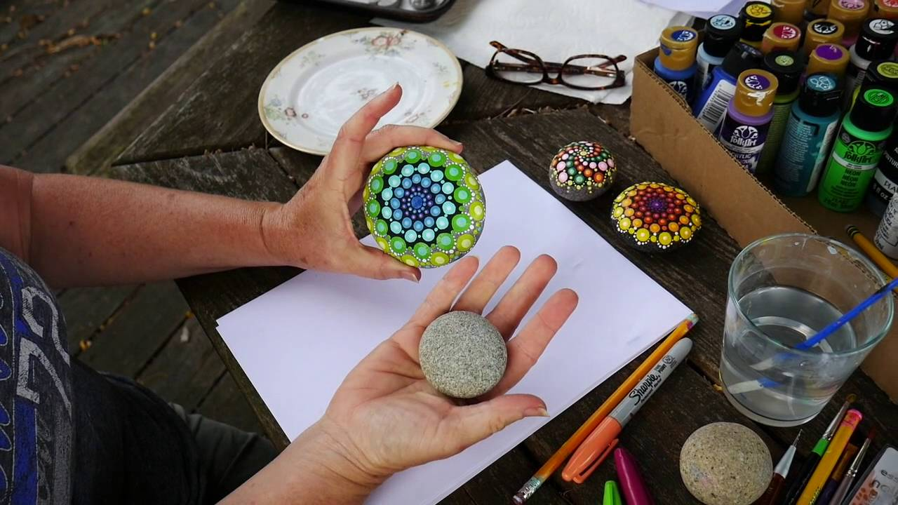 How to paint rock mandalas youtube solutioingenieria Images