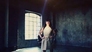 MAX&Co. COROLLA DRESS: Սքեյթ Վարող Աղջիկը [1] Thumbnail