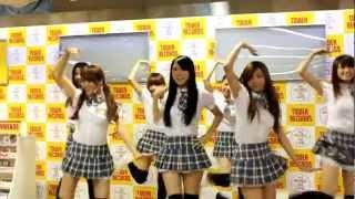 2012年10月14日タワーレコードイベント。 台湾のお天気お姉さんグループ...