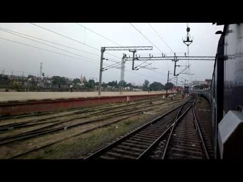 15235 Howrah-Darbhanga Express passing Kiul,Luckeesarai Jn & 15632 Pataliputra Express