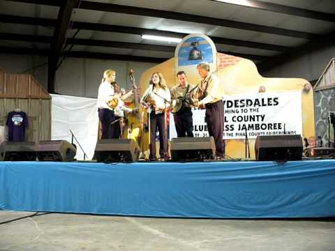 The Burnett Family Bluegrass Band playing Canyon Rose and featuring Three Fiddles   All made by Frank Daniels