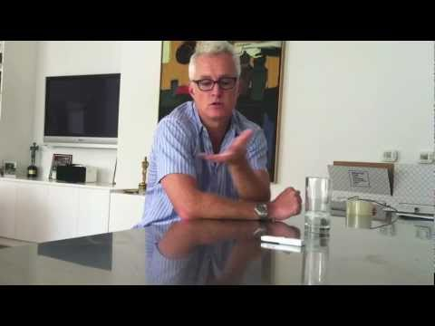 """Mad Men"" Star John Slattery (Roger) Interviewed by Scott Feinberg"
