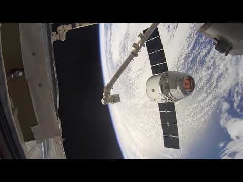 SpaceX's Dragon Arrives at the International Space Station (Time-lapse)