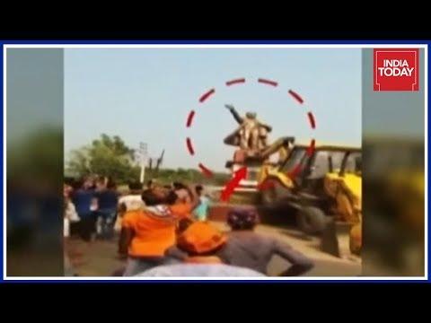 Lenin Statue Razed In Tripura : Vandalism Or Public Anger ? | To The Point