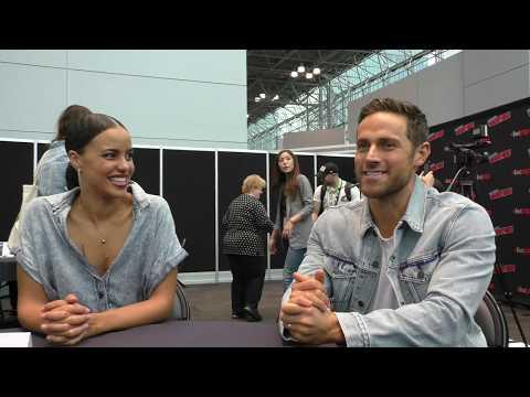 NYCC 2018:  MIDNIGHT, TEXAS  Parisa Fitz Henley, Dylan Bruce Part 1