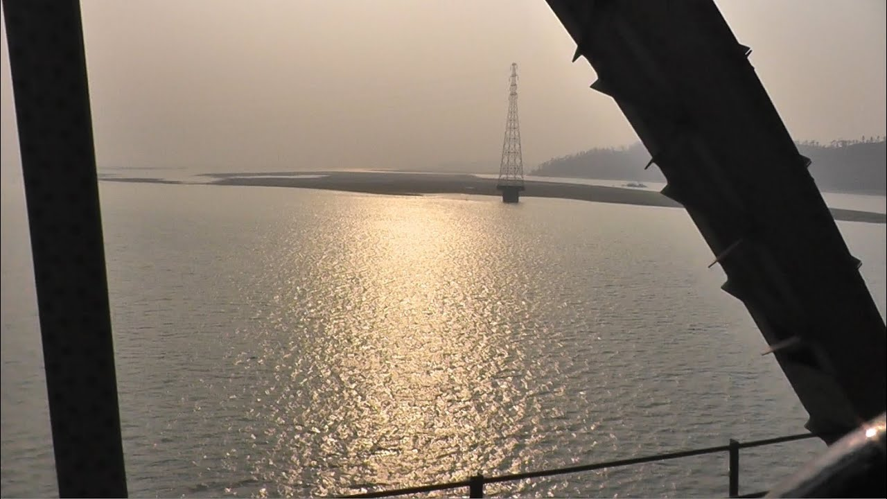 Crossing the Mighty Brahmaputra on the Naranarayan Setu ...  Crossing the Mi...