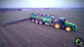 ( SPOT ) John Deere 8370 R Traktor mit 36 Kubik AP Güllefass und Bomech Schleppschuh