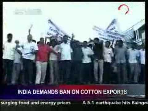 India protesters demand ban on cotton exports