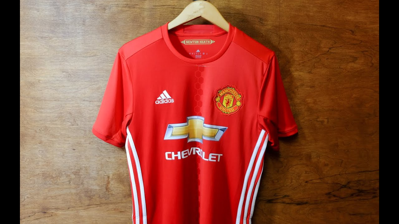 separation shoes a025e 719fc Review & Try-on: Adidas Manchester United 2016/17 Home Kit