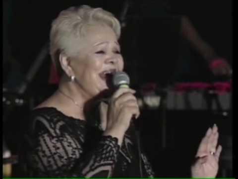 Mary Linda sings Theodorakis Varka sto Gialo