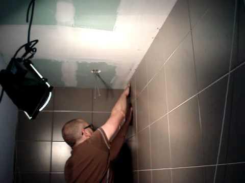 Badkamer Verbouwen Gamma : Wandtegels plaatsen.mpg youtube