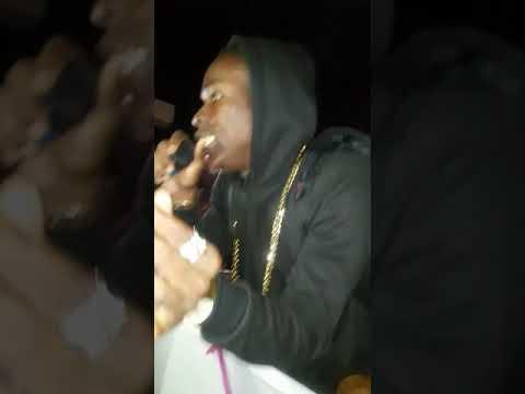 Kahsion Performing Choppa (Worldbank) At Club Dreams [Video]