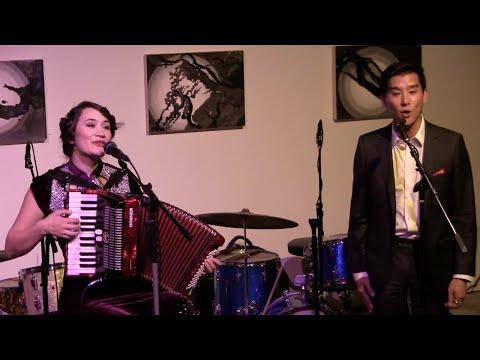 恭喜恭喜(Gong Xi Gong Xi) Chinese New Year song - Jessica Fichot & Ewan Chung